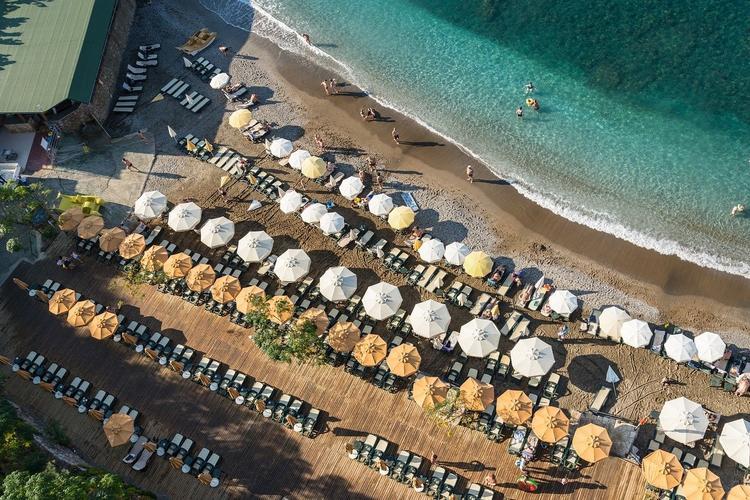 750 0 bgblur 15925731394924 - Какая страна первой откроет курорты для российских туристов: Турция, Греция или Кипр?