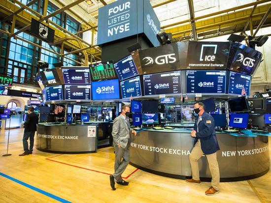 f9c2819e6a4800aee722ddff9f008ba8 - Америка готовится к новой Великой депрессии: экономика катится вниз
